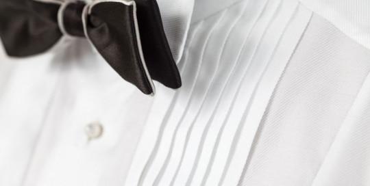 Plissé application of a bespoke dinner jacket shirt