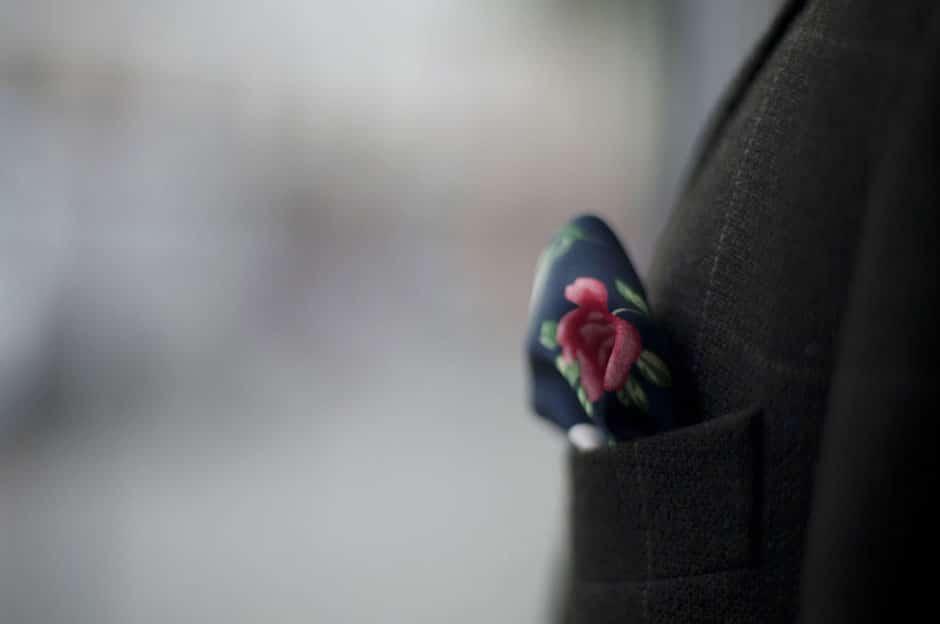 Einstecktuch in der Brusttasche eines maßgeschneiderten Sakkos von Egon Brandstetter Maßschneider Berlin