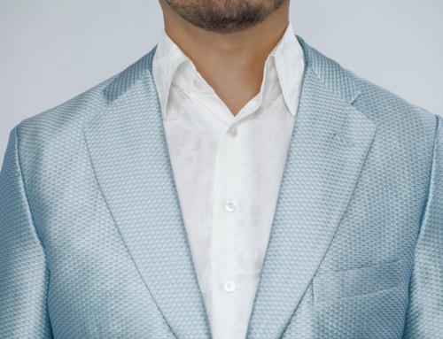 Silk–piqué jacket combined with a silk–jacquard shirt
