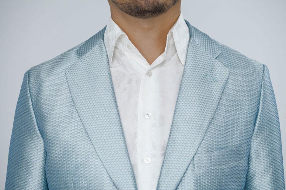 Sakko aus Seiden-Piqué kombiniert mit einem Maßhemd aus Seidenjacquard von Egon Brandstetter Maßschneider Berlin